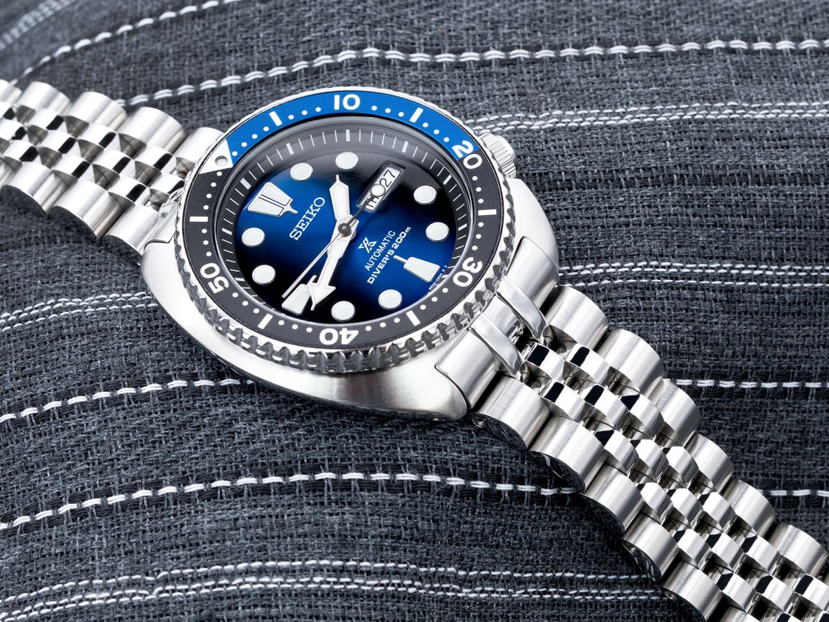 Shades of Black and Blue - Seiko new Turtle Deep Blue Batman SRPC25K